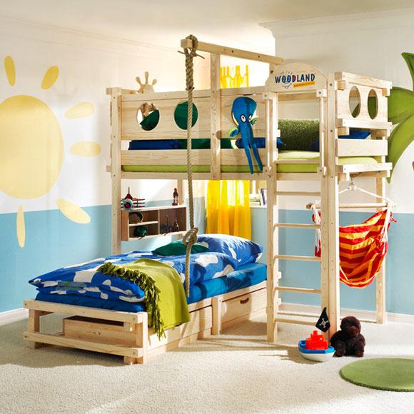 Camas infantiles que combinan diversi n y descanso foto for Camas dos en una