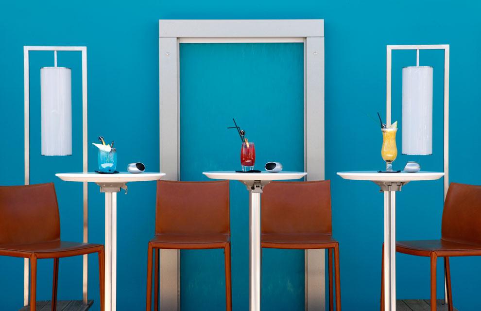 Lujo y glamour en el five hotel spa de cannes - Color turquesa en paredes ...