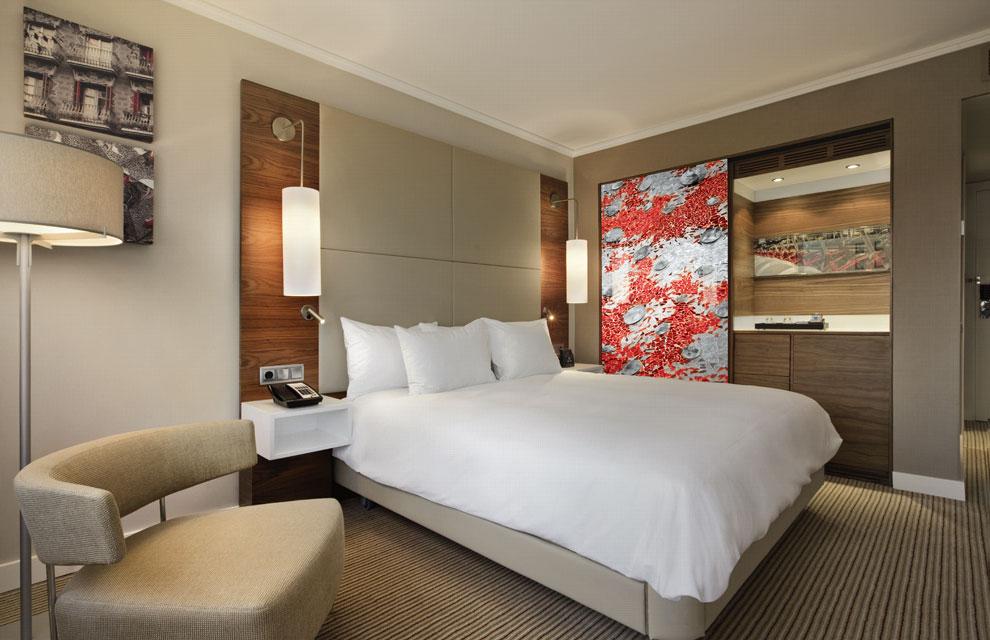 Hilton renueva el aspecto de su hotel de barcelona - Decoracion habitaciones de hotel ...