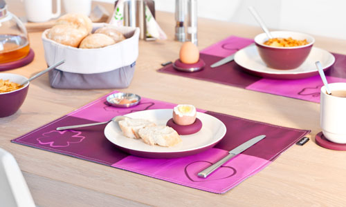 Aligera la mesa con manteles individuales