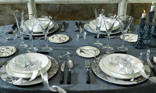 Apuesta por mesas muy navide as for Vajillas para navidad