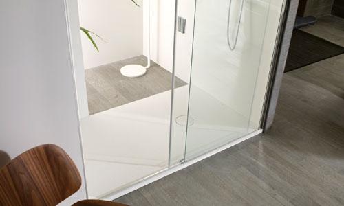 Así son las nuevas mamparas: minimalistas, robustas y seguras