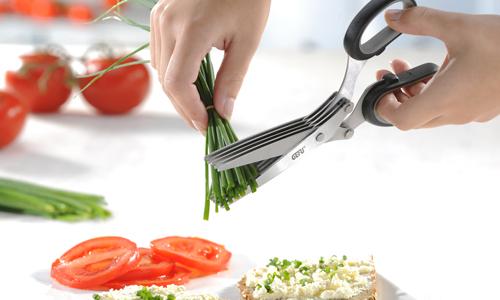 Cuchillos y tijeras para cortes estilosos y certeros