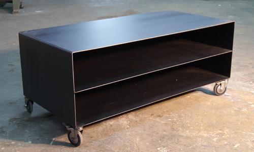 Se lleva el estilo industrial for Muebles retro industrial