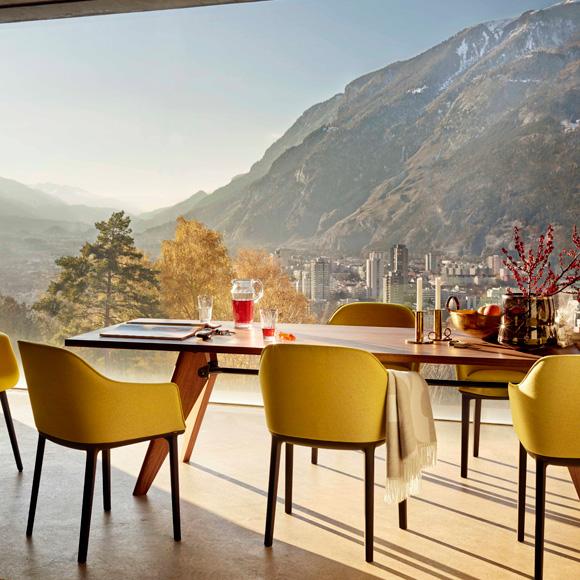 Mesas y sillas dise os pr cticos y muy bonitos foto for Mesas de comedor cuadradas de diseno
