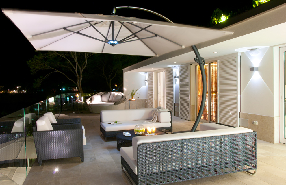 Una casa con vistas al mar for Viviendas minimalistas