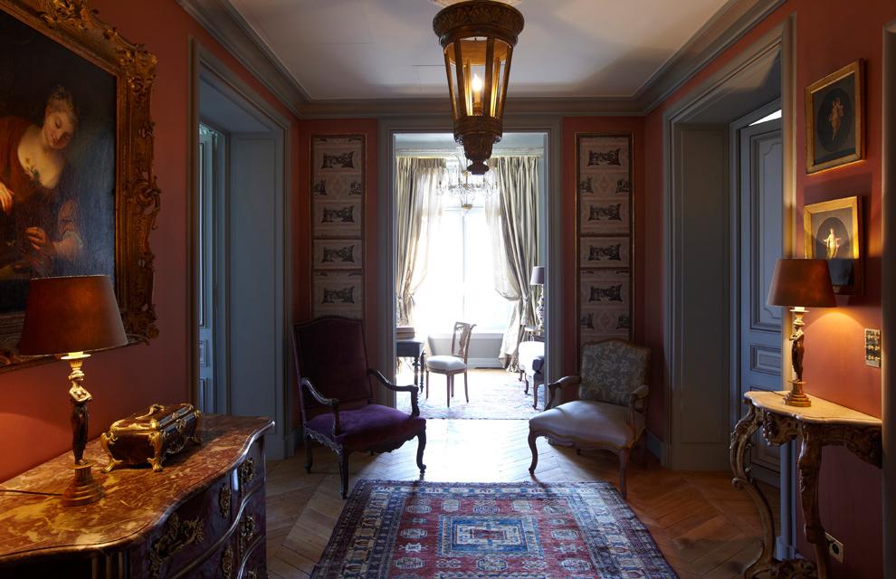 Lujo y mucho estilo en un gran apartamento de par s for Decoracion estilo ingles clasico