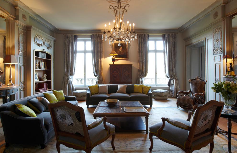 Lujo y mucho estilo en un gran apartamento de par s for Decoracion de interiores estilo clasico