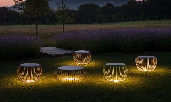 Claves para iluminar tu jard n y crear un ambiente agradable for Luminarias para jardines exteriores