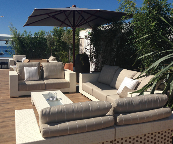 Un chill out c modo moderno y relajante for Chill out jardin