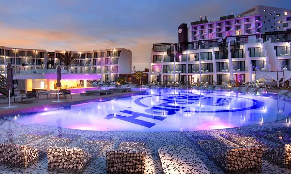 Ocio, diversión y un diseño muy chic en la isla de Ibiza