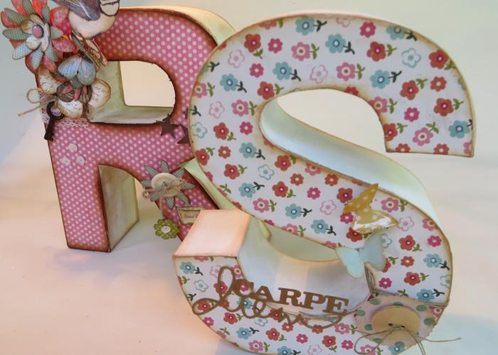 Decora una letra de cart n con la t cnica del scrap - Letras para habitaciones infantiles ...
