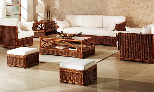 En verano muebles de mimbre for Muebles de departamento