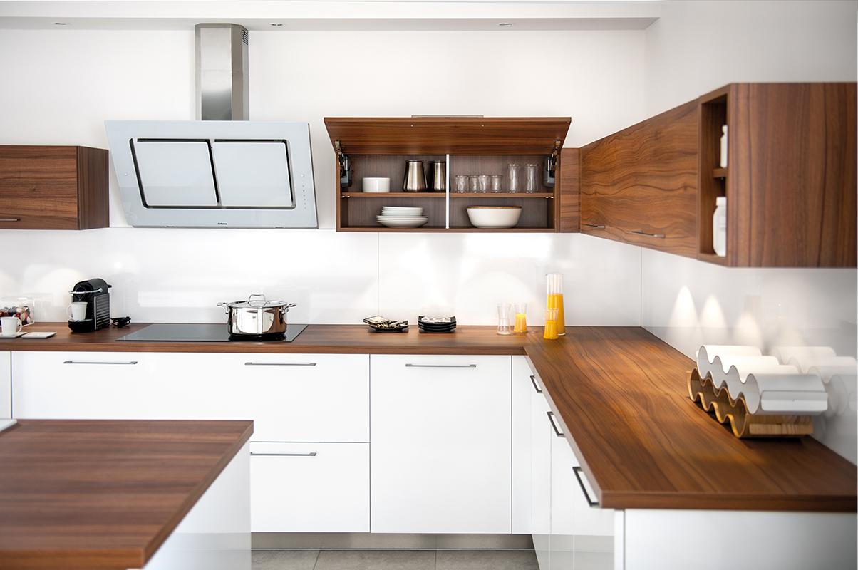 Las cocinas blancas vuelven a ser tendencia - Sobre encimera cocina ...