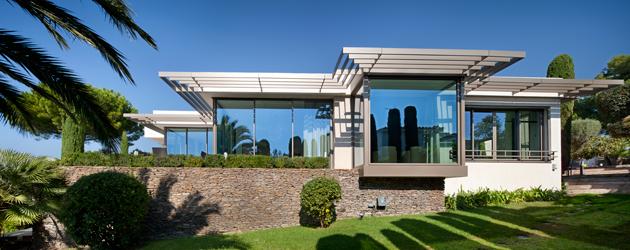 Una casa que mira al exterior