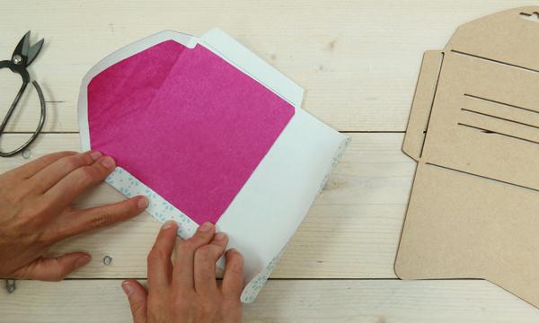 Crea tus propios sobres de carta para decorar la mesa de - Como decorar un dibujo de una castana ...