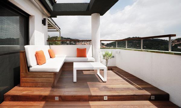 Un tico muy ajustado de tama o pero luminoso y muy bien for Viviendas para terrazas