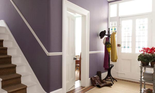 Trucos de decoraci n el arte de pintar las paredes para conseguir espacios m s amplios - Kleur corridor appartement ...