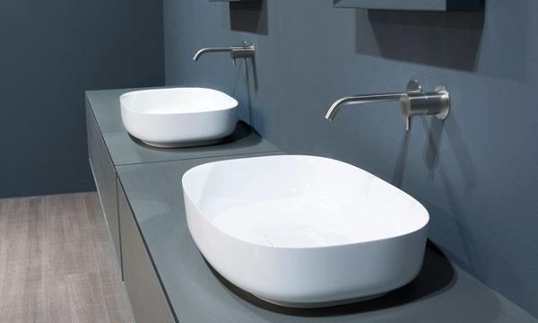 Mira qu bonitos lavabos sobre encimera for Lavabos cuadrados sobre encimera
