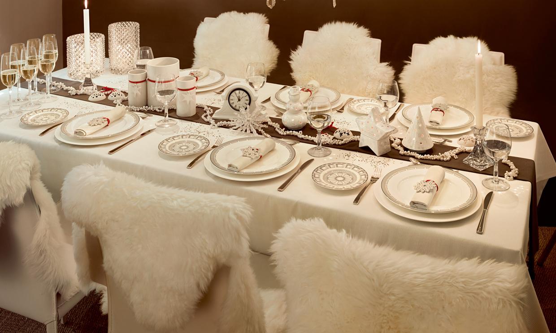 Sentados en torno a la mesa decoraci n y detalles - Como preparar la mesa de navidad ...