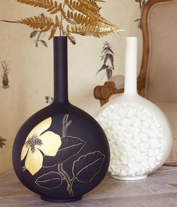 jarrones el elemento decorativo que no debes olvidar tampoco en invierno
