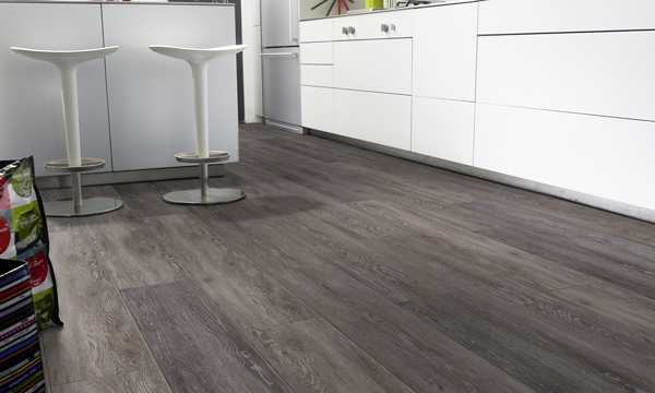 8 trucos para renovar tu cocina sin gastarte mucho dinero - Cambiar suelo cocina ...