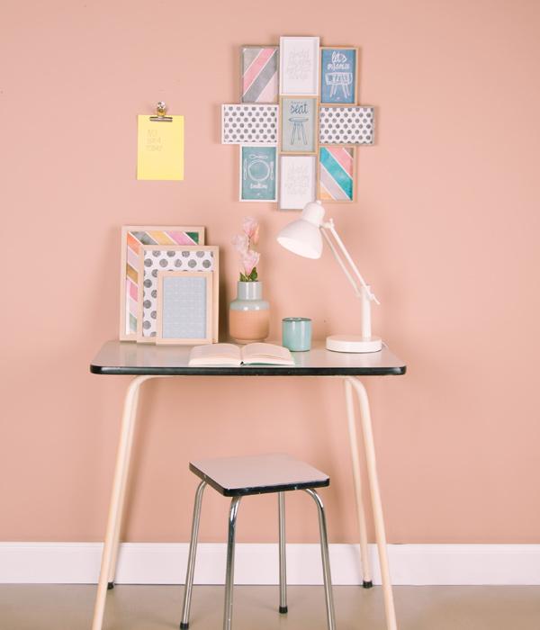 Decora tus paredes con composiciones de cuadros o marcos