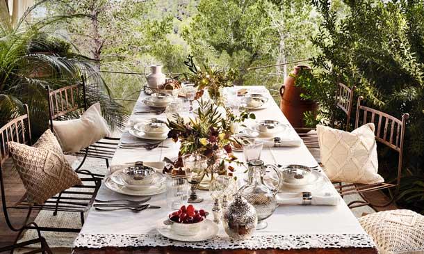 Todo lo que necesitas para montar una mesa al aire libre for Decoracion mesas de jardin