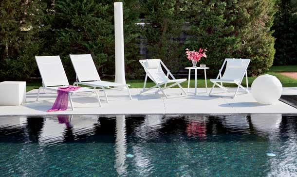 Este verano... ¡móntate un oasis alrededor de la piscina!