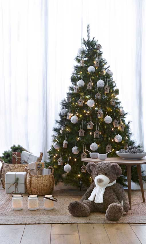 Claves Para Montar El árbol De Navidad Foto