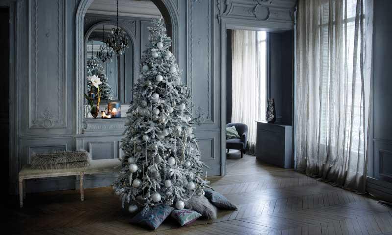 Ideas para montar un rbol de navidad lleno de magia y - Sapin de noel decore en blanc ...
