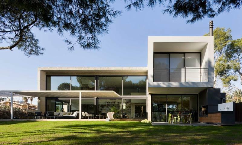 Arquitectura de dise o a orillas del mediterr neo for Casas modernas unifamiliares