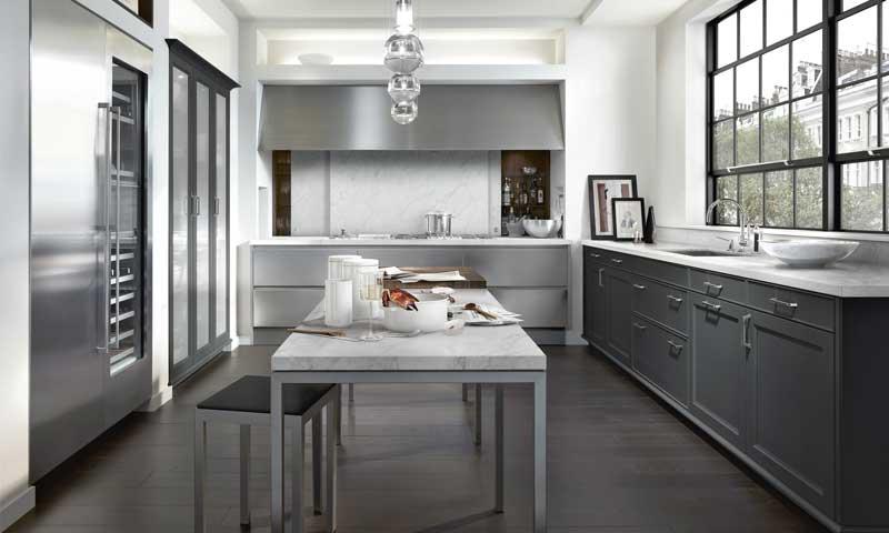 Hoy comemos en la cocina: cómo montar un 'office' con estilo