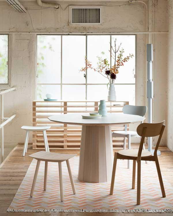 Lo ltimo en sillas de comedor for Modelos de comedores