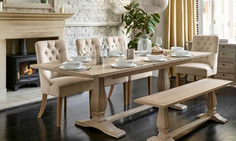 Sillas de comedor la fusi n entre funcionalidad y for Ver mesas y sillas de comedor