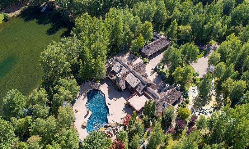 Bruce Willis vuelve a poner a la venta su espectacular mansión de Sun Valley, ¿quieres verla?