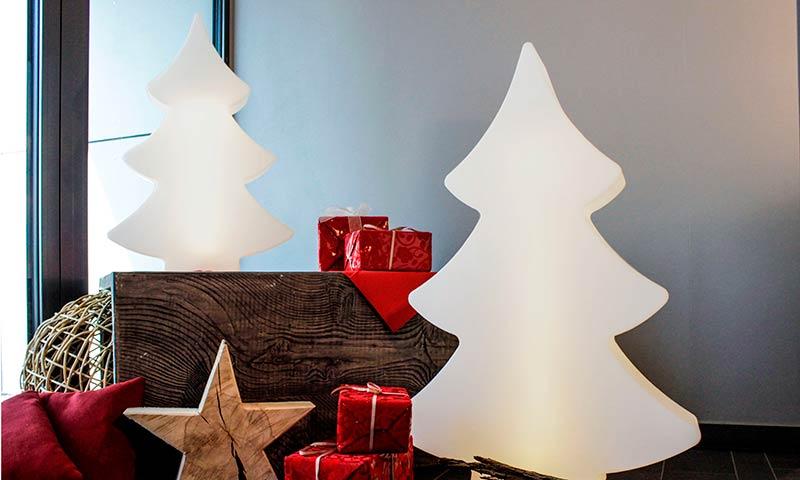 8 árboles de Navidad elegantes y originales, ¿con cuál te quedas?