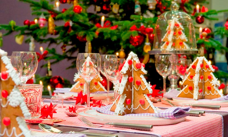Tres ejemplos prácticos y sencillos de cómo decorar la mesa estas navidades