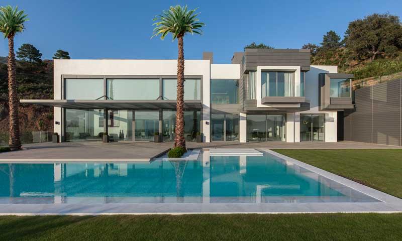 Una vivienda minimalista en la zagaleta marbella una de - Casas minimalistas en espana ...