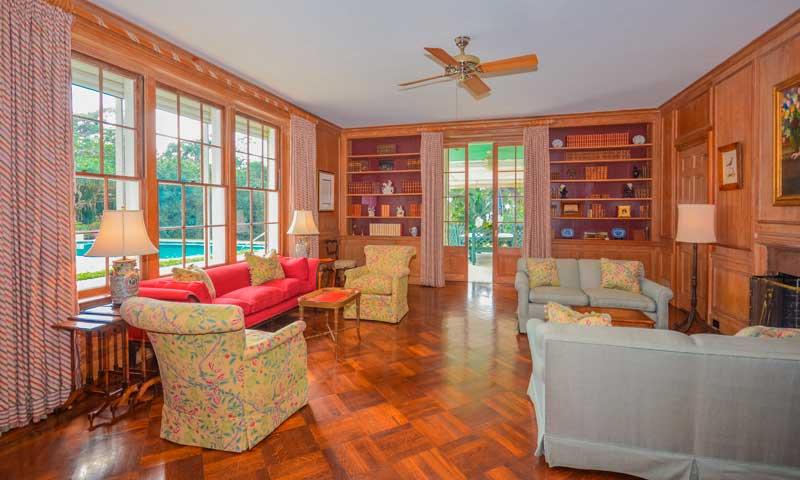 ¿Quieres conocer cómo es una casa con el mismo estilo que la 'Casa Blanca de Invierno'?