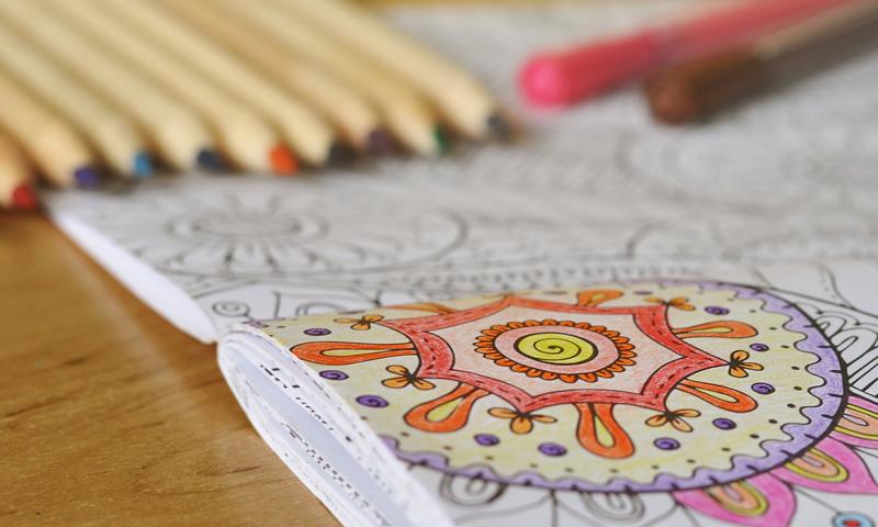 Aprende a relajarte con los libros de mandalas para colorear