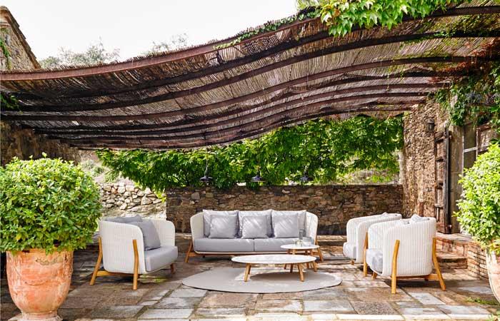 Toldos sombrillas y p rgolas para protegerse del sol for Toldos para terrazas pequenas