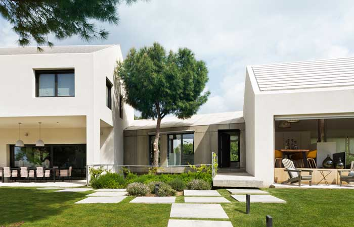 Fotos de una casa moderna y con encanto natural with for Casa moderna ud