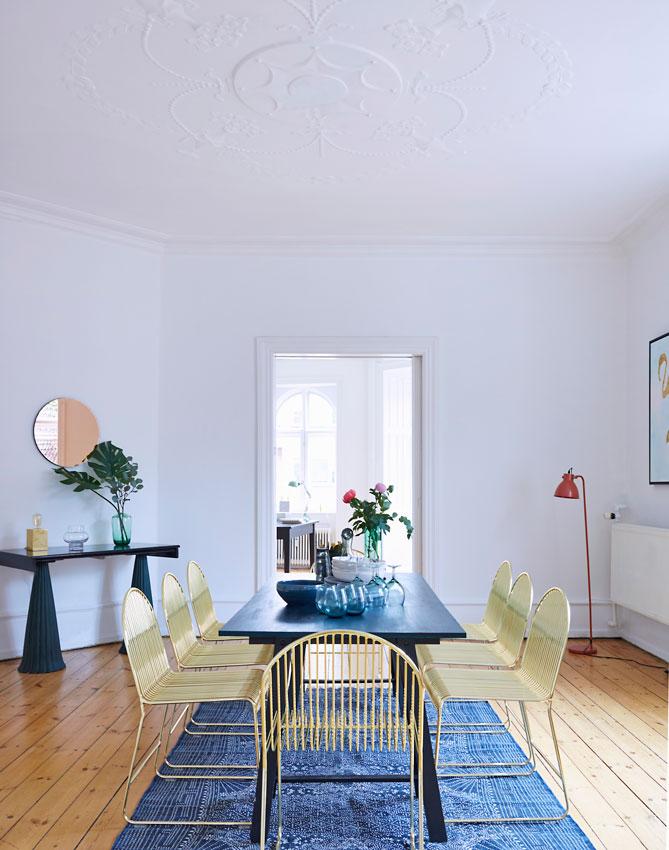 Molduras el estilo cl sico y se oral vuelve a revestir for Decoracion de interiores clasico elegante