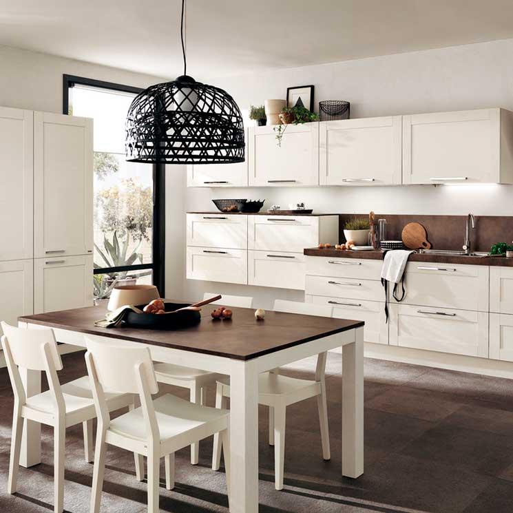 Cocinas blancas un cl sico que nunca pasa de moda foto for Cocina de madera gris oscuro