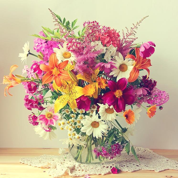 Centros De Flores La Alegría De La Mesa Foto