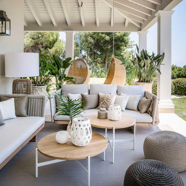 jardin interior expectacular en este dise ointerior de vivienda Una villa marbellí convertida en un exclusivo oasis frente al mar