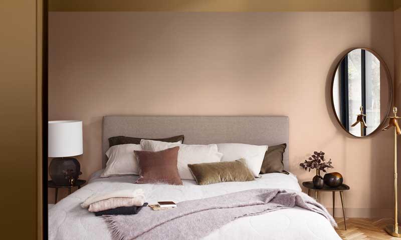 Decoraci n dormitorios 10 colores de tendencia para - Pintar pared dormitorio ...