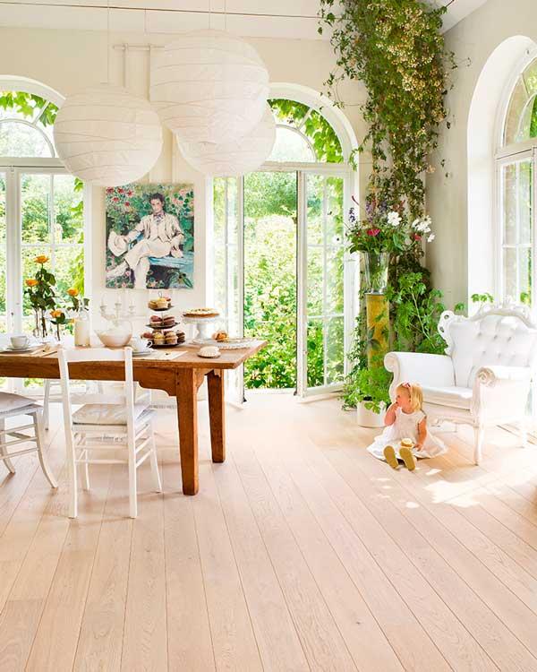 Adapta tus estancias al cambio de estación y deja que entre la primavera en casa