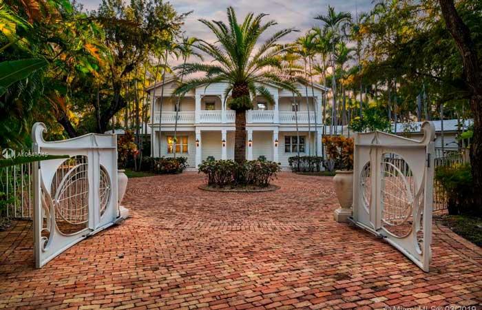 Descubre qué tiene de especial la mansión de Gloria Estefan para que valga casi 30 millones de euros